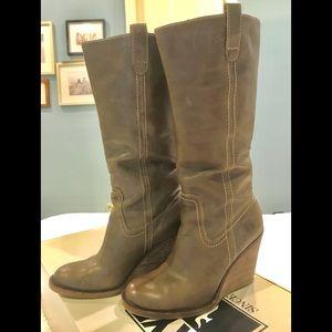 FRYE Caroline Campus Pull-On Wedge Boots Grey